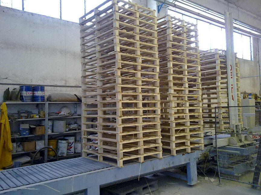 - Atornilladoras, Clavadoras para paletas, DELTA SRL (Italie