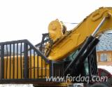 Skidding - Forwarding, Forst Spezialbagger mit 16 t WInde, Komatsu