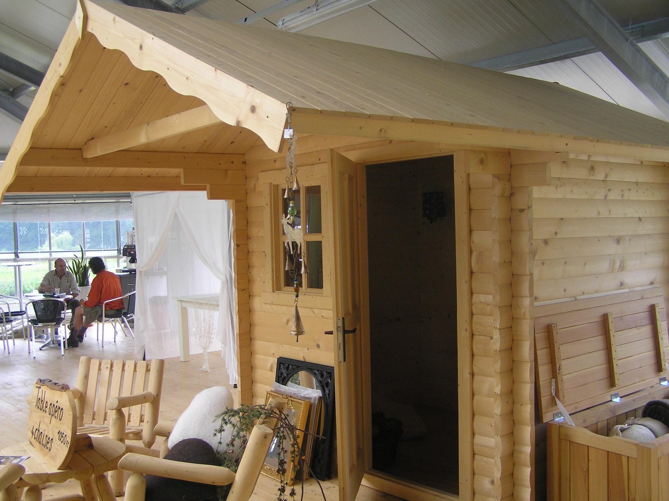 装修漂亮的木头房子