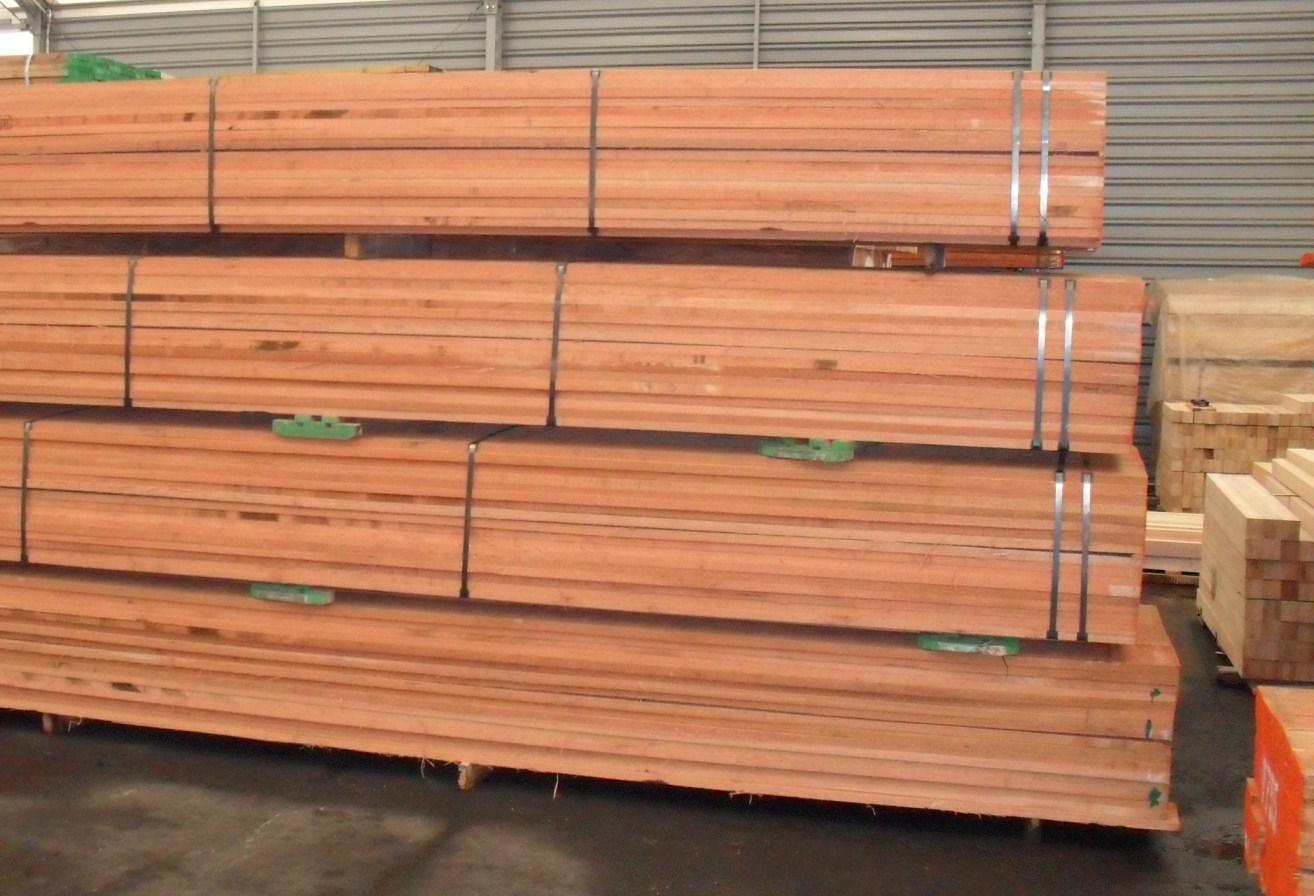 Red Meranti Sawn Timber ~ Meranti dark red nemesu seraya malaysia