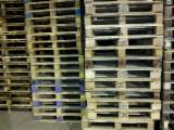 Buy Or Sell Wood ISPM 15 - Special Use Pallet, Recycled - Used in good state