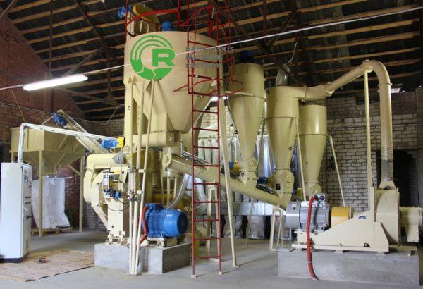 Straw-pelletizing-equipment-set-with-pellet