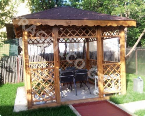 Venta kiosco puesto madera blanda europea rumania for Fotos de kioscos de madera