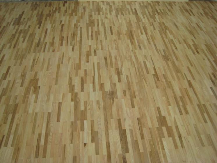 vend parquet massif bois debout fr ne blanc 8 mm slov nie. Black Bedroom Furniture Sets. Home Design Ideas