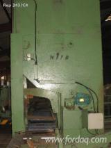 Polovna Révisé par M1TB (2002) Vertikalna Tračna Pila Za Trupce LBL-BRENTA  1400 sa Francuska