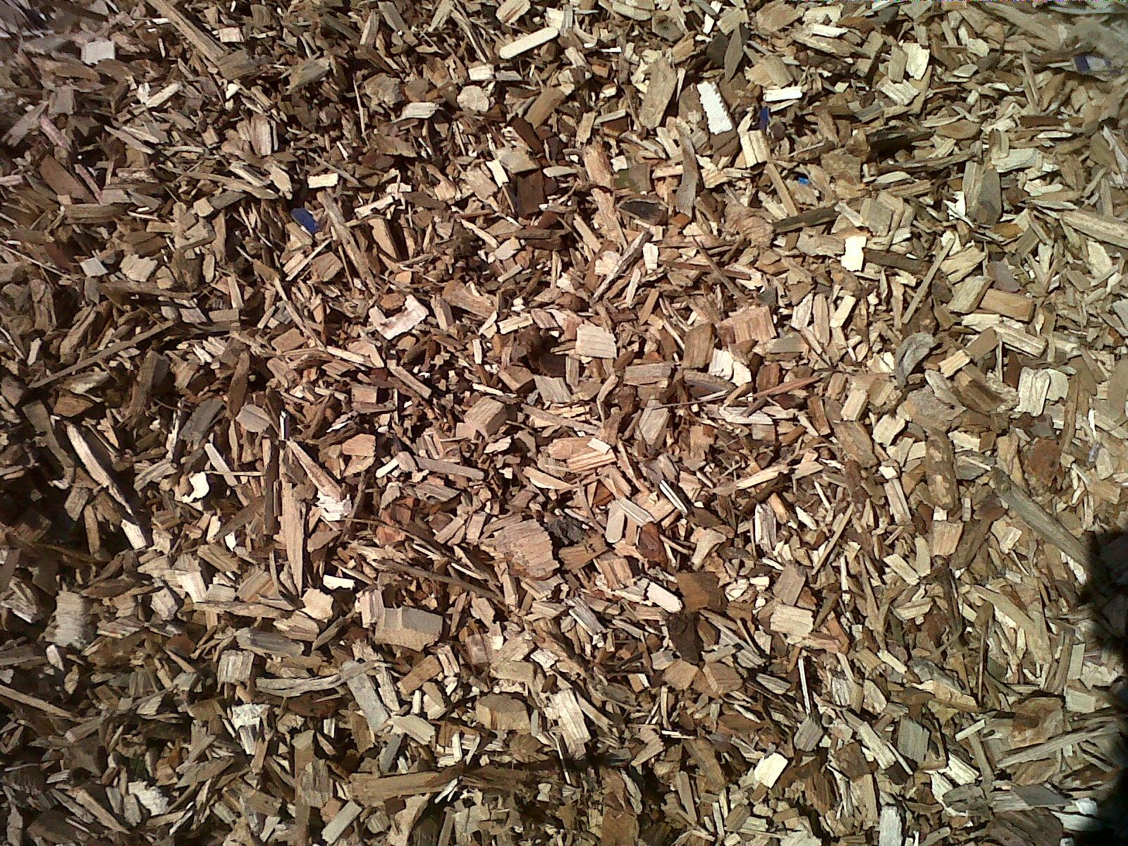 Redwood Bark Chips ~ Pellets briquets charcoal wood chips from forest