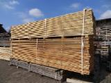 Softwood - Sawn Timber - Lumber - Planed timber (lumber)   Supplies Germany Spruce / Larch lumber offer