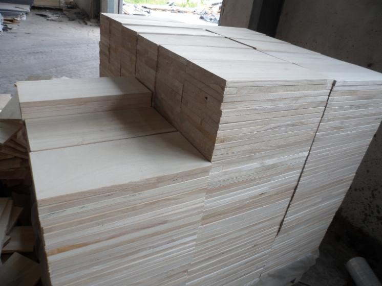 various-dimensions-of-paulownia-furniture-edge-glued-joint-board