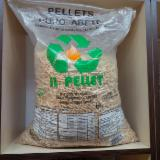 Firewood - Chips - Pellets Supplies Spruce (Picea abies) - Whitewood Wood Pellets in Bulgaria