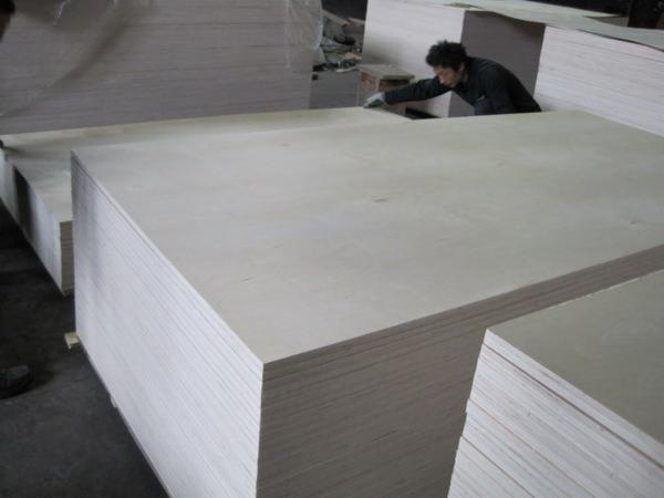 4X8%27X12mm--18mm-C2--birch-plywood-for-USA-market-