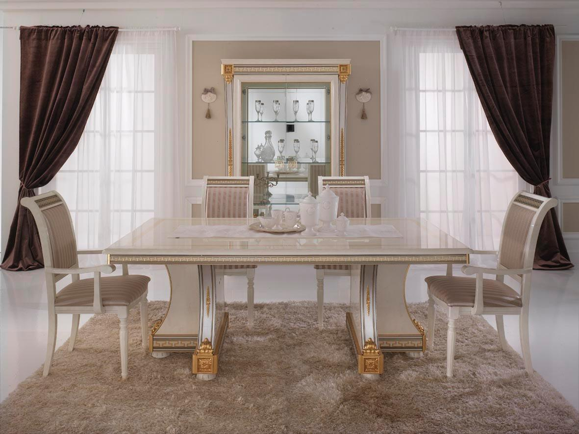 Set Sala Da Pranzo Traditional Design / Classique Design 1 100 Pezzi #8C663F 1181 886 Nella Sala Da Pranzo In Inglese