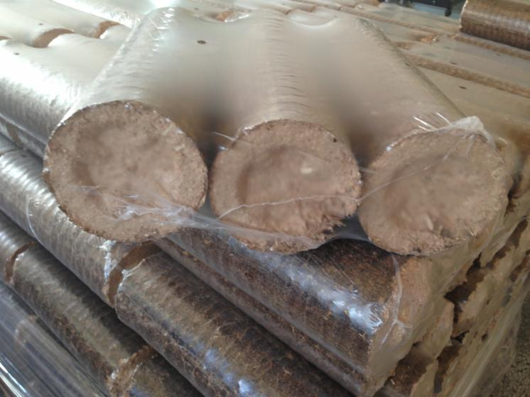 Beech and Oak Briquets, Perfect Quality