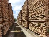 Hardwood  Unedged Timber - Flitches - Boules For Sale Germany - Beech timber in the length 2,50-4m, and thicknesses 32;35;38;40;45;50;