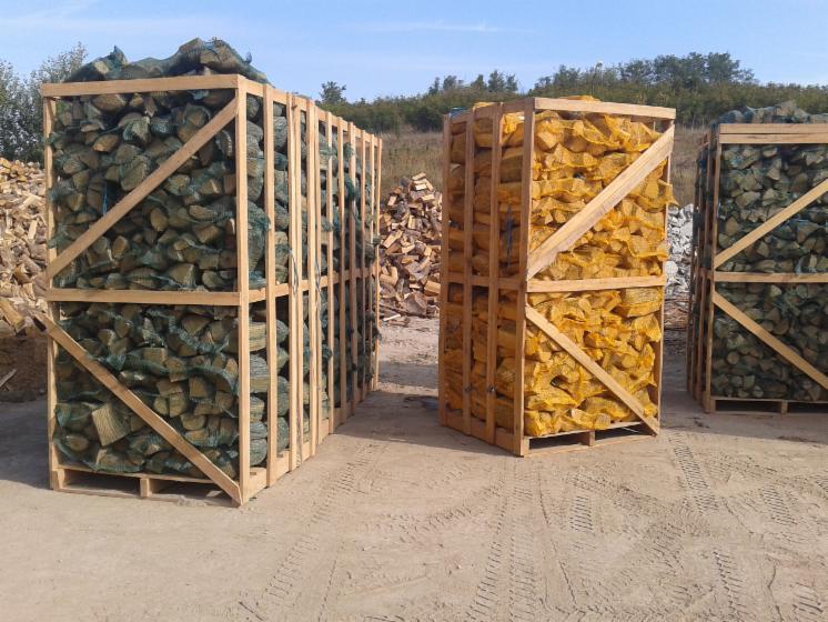 Vente en gros b ches fendues ch ne europ en en bulgarie for Vente bois flotte gros