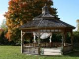 Möbel - Mammutbaum , Verkaufsstand - Gartenlaube