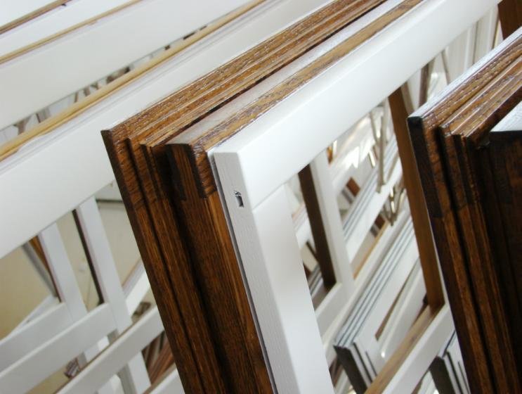 Finestre in legno sistemi scorrevoli giardini d 39 inverno for Finestre in legno prezzi offerte