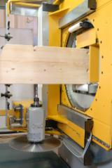 CNC woodworking centre for beams