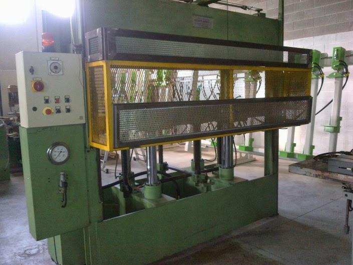 Presse idrauliche usate marca walter vecchiato 2200x1100 for Presse idrauliche usate per officina