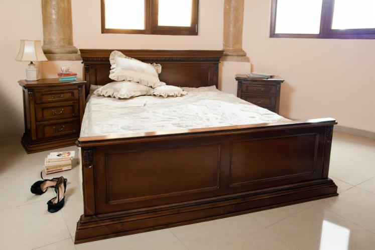 Chambre a coucher en bois moderne for Chambre a coucher en bois rouge