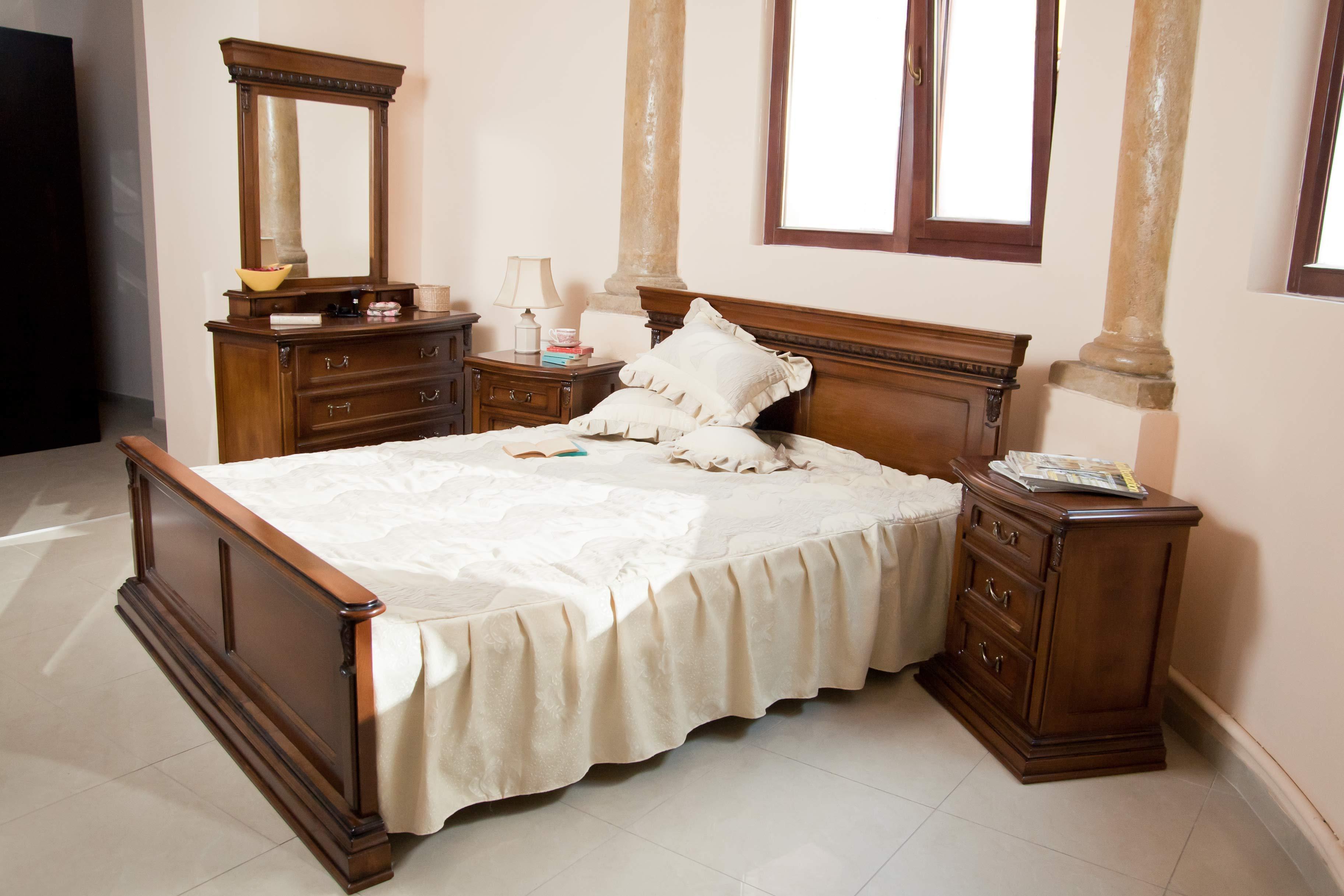 Arredamento camera da letto tradizionale 1 0 100 0 for Arredamento zen camera da letto