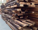 Laubholz  Blockware, Unbesäumtes Holz Zu Verkaufen - Loseware, Walnuß