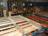 Used 1st transformation & woodworking machinery   Supplies Italy Nailing - Stapling - Screwing, Nailing Machine For Pallets, Bostitch