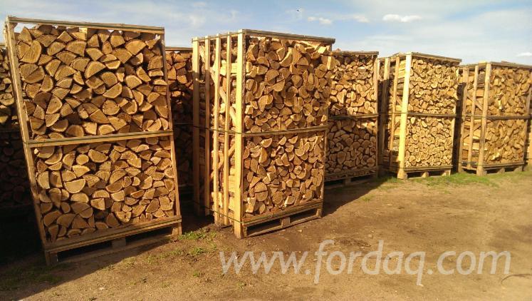 Oak-firewood-packed-in-1