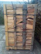 Echipamente second-hand pentru prelucrare primară şi prelucrarea lemnului  aprovizionare Polonia Lemn de foc despicat - nedespicat, Lemn de foc despicat, FRESH SPRUCE