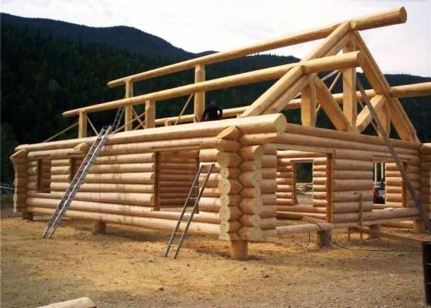 Casa di tronchi canadese abete legni bianchi for Case di legno in romania