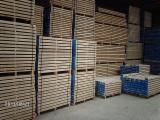 Bosnie - Herzegovine provisions - Vend Charpente, Poutres, Pièces Equarries Chêne Slavonie