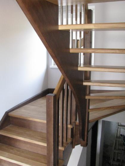 holztreppen eiche buche esche wangentreppe betontreppe. Black Bedroom Furniture Sets. Home Design Ideas