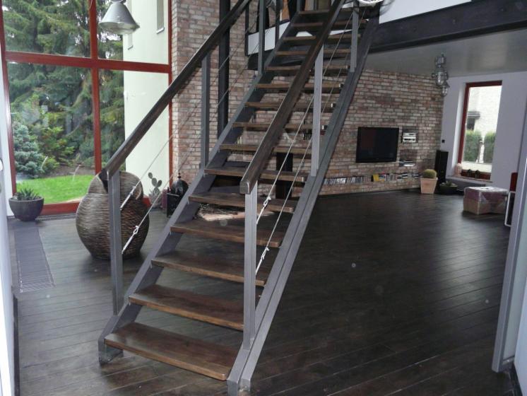 holztreppen eiche buche esche wangentreppe betontreppe faltwerktrepp. Black Bedroom Furniture Sets. Home Design Ideas