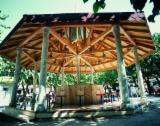 Maisons Bois Asie - Vend Charpente Taillée Chêne Feuillus Européens