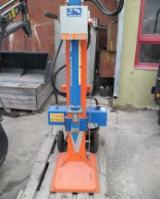 Slicing - Cleaving - Chipping - Debarking, Cleaving Machine