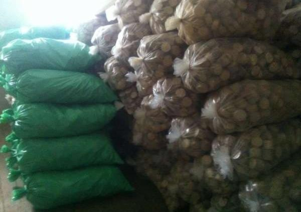 Wholesale-All-specie-Wood-Briquets-in