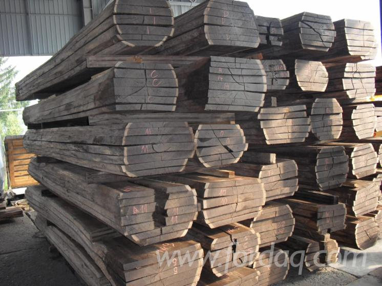 Service-smoking-wood-of-oak-and-acacia-throughout-0