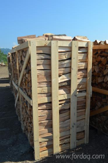 Wholesale Firewood/Woodlogs Cleaved from Romania