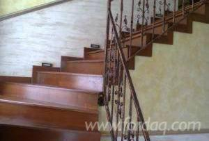 Hardwood-%28Temperate%29--Oak-%28European%29--Stairs