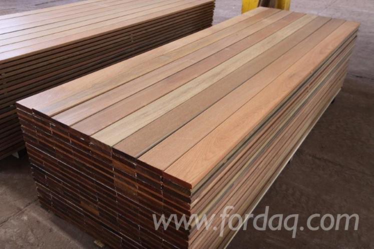 Sell-decking-wood--Ipe-Lapacho--Cumaru--Massaranduba--Itauba