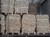 Firelogs - Pellets - Chips - Dust – Edgings Other Species For Sale Germany - Firewood Cleaved - Not Cleaved, Firewood/Woodlogs Cleaved, Oak (European)