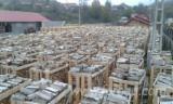Firewood - Chips - Pellets Supplies Hainbuche, Eiche Firewood/Woodlogs Cleaved in Romania