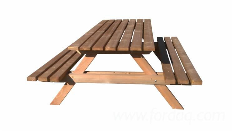 Garden-Benches--Traditional