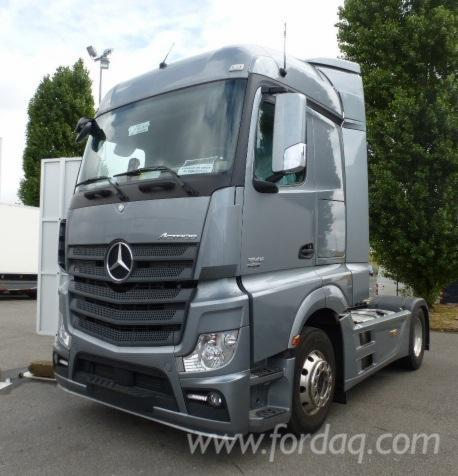 loue tracteurs routiers mercedes actros. Black Bedroom Furniture Sets. Home Design Ideas