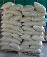 Drva Za Potpalu - Pelet - Opiljci - Prašina - Ivice ISO-9000 - Jela (Picea Abies)-Bjelo Drvo Drveni Peleti ISO-9000 Rumunija