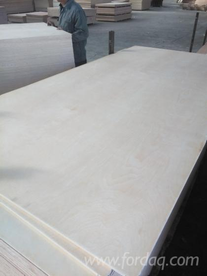 We-supplying-natural-birch-plywood-with-poplar-core