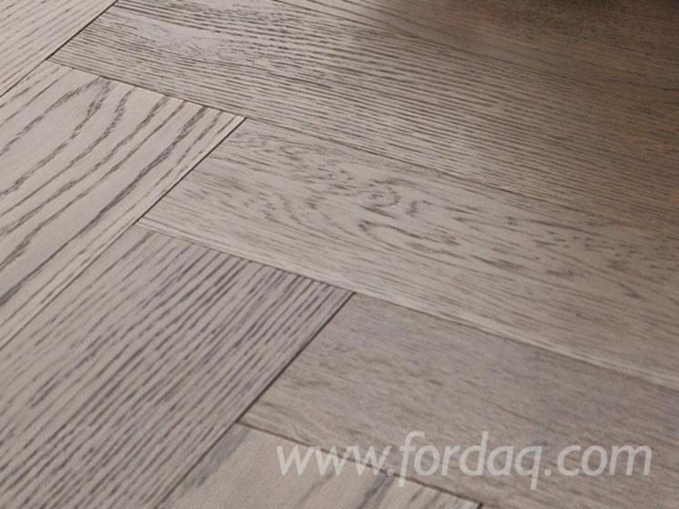 Oak-Engineered-herringbone-flooring