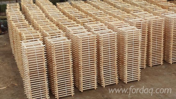 Wooden-pallets-1195x856-and