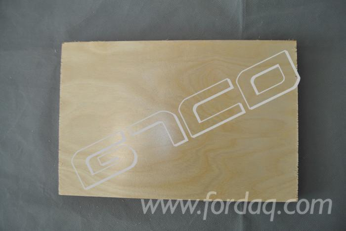 UV-Laminated-Birch-Plywood-Poplar-Core-18mm