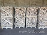 FIREWOOD (BEECH, ASH, HORNBEAM, OAK) NATURAL HUMIDITY