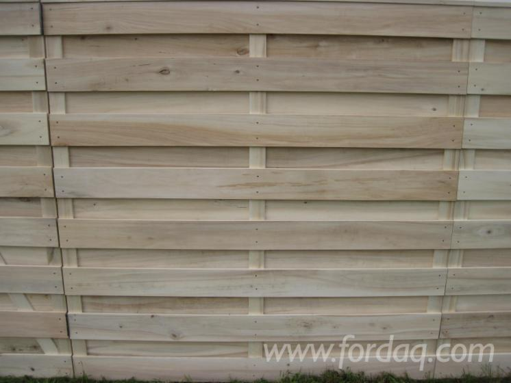 Poplar---wooden-fence-panels--partition-fence